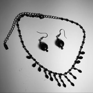 Black Shiny Necklace And Earrings.